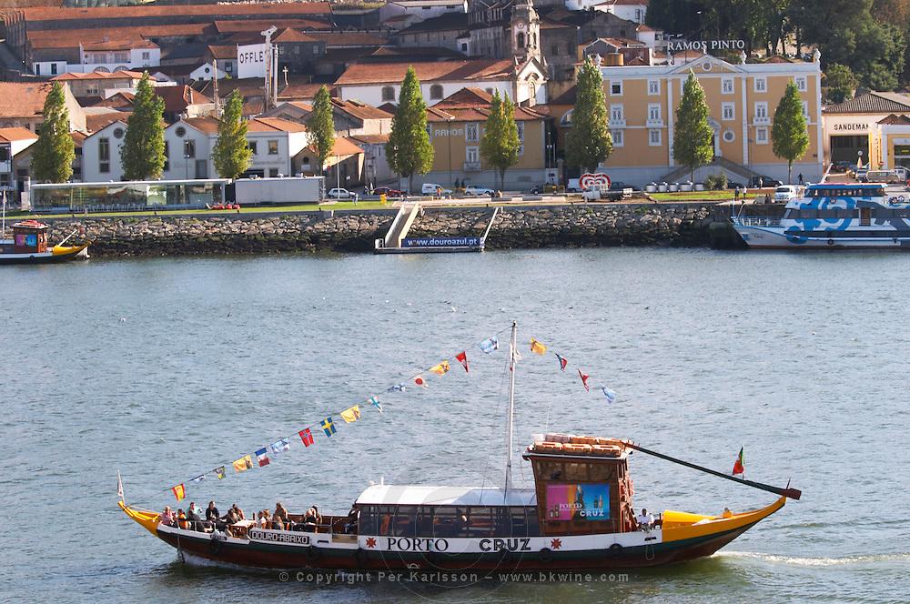 passenger ferry boat ramos pinto offley sandeman port lodge av. diogo leite vila nova de gaia porto portugal