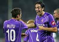 Firenze 20/09/2006<br /> Campionato Italiano Serie A 2006/07<br /> Fiorentina-Parma<br /> Mutu festeggiato dopo il gol da Toni<br /> Foto Luca Pagliaricci Inside