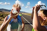 Iris Slappendel (links) praat met haar trainer na een goede run. Het Human Power Team Delft en Amsterdam, dat bestaat uit studenten van de TU Delft en de VU Amsterdam, is in Amerika om tijdens de World Human Powered Speed Challenge in Nevada een poging te doen het wereldrecord snelfietsen voor vrouwen te verbreken met de VeloX 7, een gestroomlijnde ligfiets. Het record is met 121,44 km/h sinds 2009 in handen van de Francaise Barbara Buatois. De Canadees Todd Reichert is de snelste man met 144,17 km/h sinds 2016.<br /> <br /> With the VeloX 7, a special recumbent bike, the Human Power Team Delft and Amsterdam, consisting of students of the TU Delft and the VU Amsterdam, wants to set a new woman's world record cycling in September at the World Human Powered Speed Challenge in Nevada. The current speed record is 121,44 km/h, set in 2009 by Barbara Buatois. The fastest man is Todd Reichert with 144,17 km/h.
