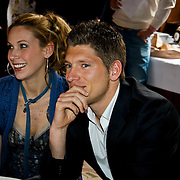 NLD/Amsterdam/20100328 - Veiling voor Engelen van Oranje, Lonneke Rotmans en partner Stijn Schaars