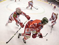 04.10.2015, Eiswelle, Bozen, ITA, EBEL, HCB Suedtirol vs EC KAC, 8. Runde, im Bild v.l. Martin Schumnig (EC KAC), Joel Broda (HCB Suedtirol), Oliver Setzinger (EC KAC)// during the Erste Bank Icehockey League 8th round match between HCB Suedtirol and EC KAC at the Eiswelle in Bozen, Italy on 2015/10/04. EXPA Pictures © 2015, PhotoCredit: EXPA/ Johann Groder