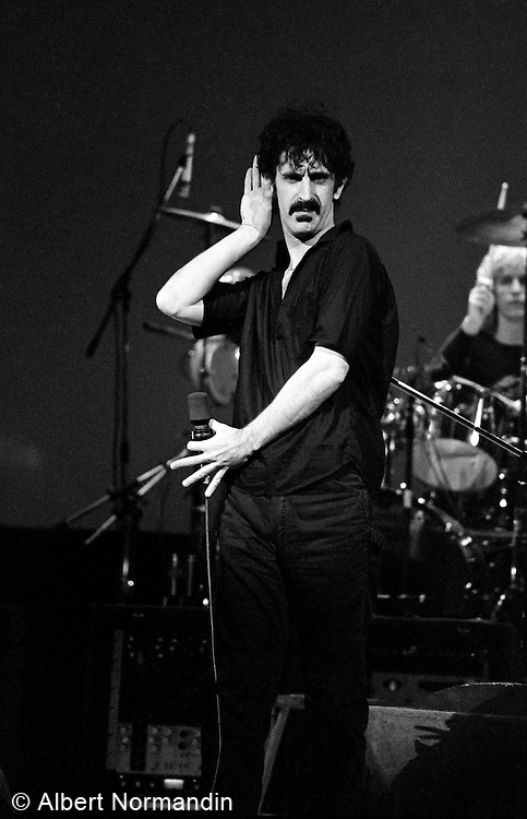 Frank Zappa listening to the crowd