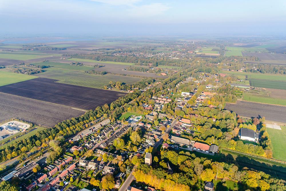 Nederland, Groningen, Gemeente Midden-Grongen, 04-11-2018; Slochteren en omgeving. Midden in het door aardbevingen getroffen gebied, bevingen die het gevolg zijn van de winning van aardgas. Het dorp is bekend door het aardgasveld van Slochteren, de Slochter gasbel.<br /> Slochteren and its surroundings, in the middle of the earthquake-affected area. The earthquakes that are the result of the extraction of natural gas.<br /> <br /> luchtfoto (toeslag op standaard tarieven);<br /> aerial photo (additional fee required);<br /> copyright© foto/photo Siebe Swart