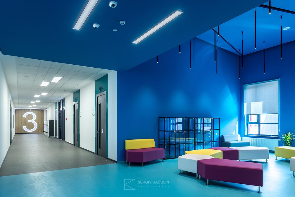Интерьерная фотосъемка учебных заведений. Съемка интерьера гимназии А+ в Киеве.