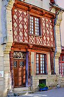 France, Morbihan (56), étape sur le chemin de Saint Jacques de Compostelle, village médiéval de Josselin, maison à pans de bois datant de 1538, la plus ancienne de la ville //  France, Morbihan (56), step on the way of Saint Jacques de Compostela, medieval village of Josselin, half-timbered houses
