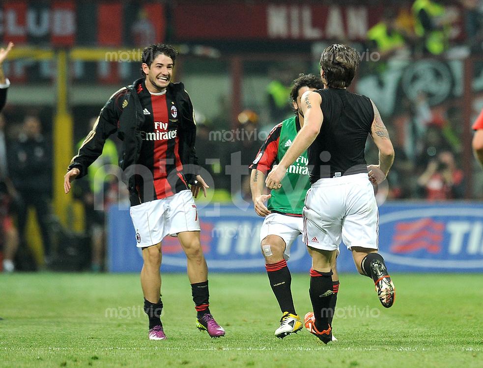 FUSSBALL INTERNATIONAL   SERIE A   SAISON 2010/2011    AC Mailand - Inter Mailand    02.04.2011 Jubel Pato (v. li., AC Mailand)