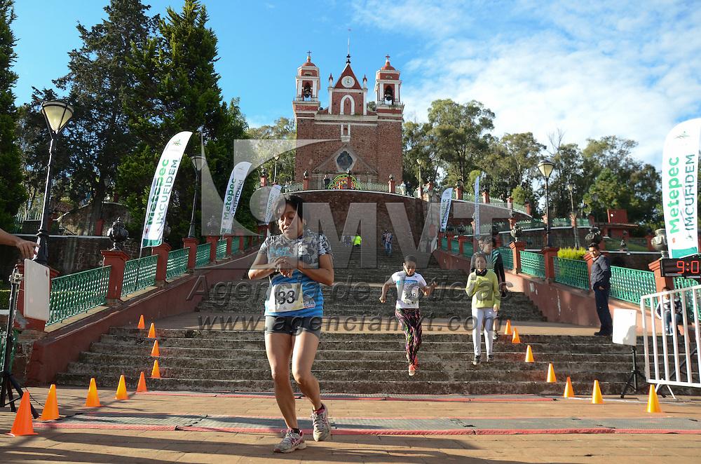 """Metepec, México (Octubre 22, 2016).- Con una participación de más 200 personas se llevó acabo la primera edición del """"Trail Run"""" Metepec, donde recorrieron 4 y 8  km por el cerro de los magueyes del pueblo mágico metepequense. Agencia MVT / Arturo Hernández."""