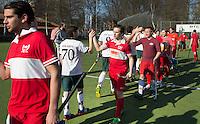 AMSTELVEEN - Hockey - Shake hands voor de Wedstrijd tussen de JH1 teams, jong senioren, tusssen de mannen van Myra en Rood Wit. (3-5).  COPYRIGHT KOEN SUYK