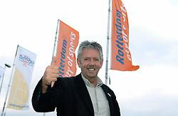 01-06-2006 VOLLEYBAL: EK KWALIFICATIE: NEDERLAND - ZWEDEN: ROTTERDAM<br /> Nederland wint het eerste duel van de EK kwalificatie reeks met 3-0 / Hans Zoethoutmaar<br /> ©2006-WWW.FOTOHOOGENDOORN.NL