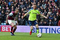 Aston Villa v Derby County - Sky Bet Championship<br /> BIRMINGHAM, ENGLAND - APRIL 28 :  Alex pearce, of Derby County, gets infront of Aston Villa's Glenn Whelan