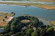 Nederland, Gelderland, Neder-Betuwe, 08-07-2010; fort Everdingen aan de Lek, onderdeel van de Nieuwe Hollandse Waterlinie, begin van de Diefdijk. De Explosieven Opruimings Dienst (EOD) maakt nog gebruik van het complex..Fort Everdingen near river Lek, part of the New Dutch Waterline..luchtfoto (toeslag), aerial photo (additional fee required).foto/photo Siebe Swart