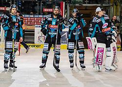 03.02.2019, Keine Sorgen Eisarena, Linz, AUT, EBEL, EHC Liwest Black Wings Linz vs EC KAC, 44. Runde, im Bild v.l. Bracken Kearns (EHC Liwest Black Wings Linz), Dragan Umicevic (EHC Liwest Black Wings Linz), Andreas Kristler (EHC Liwest Black Wings Linz), Tormann David Kickert (EHC Liwest Black Wings Linz) // during the Erste Bank Eishockey League 44th round match between EHC Liwest Black Wings Linz and EC KAC at the Keine Sorgen Eisarena in Linz, Austria on 2019/02/03. EXPA Pictures © 2019, PhotoCredit: EXPA/ Reinhard Eisenbauer