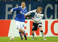 Fotball<br /> Tyskland<br /> 23.02.2012<br /> Foto: Witters/Digitalsport<br /> NORWAY ONLY<br /> <br /> v.l. Christoph Metzelder, Frantisek Rajtoral (Pilsen)<br /> <br /> Europa League, Zwischenrunde Rueckspiel, FC Schalke 04 - Viktoria Pilsen