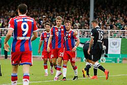 17.08.2014, Preussenstadion, Muenster, GER, DFB Pokal, SC Preussen Muenster vs FC Bayern Muenchen, 1. Runde, im Bild vl: Sommer-Neuzugang Robert Lewandowski (FC Bayern Muenchen #9), Sommer-Neuzugang Juan Bernat (FC Bayern Muenchen #18), Thomas Mueller (FC Bayern Muenchen) und Mario Goetze (FC Bayern Muenchen #19) beim Torjubel nach dem Treffer zum 1:0 // during the 1st round match of German DFB Pokal between SC Preussen Muenster vs FC Bayern Munich at the Preussenstadion in Muenster, Germany on 2014/08/17. EXPA Pictures © 2014, PhotoCredit: EXPA/ Eibner-Pressefoto/ Schueler<br /> <br /> *****ATTENTION - OUT of GER*****