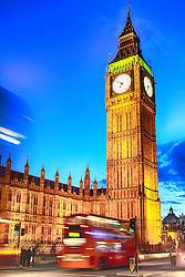 Big Ben e o Palácio de Westminster, Património Mundial da UNESCO e a Ponte de Westminster ao fundo, em Londres, Inglaterra, Reino Unido, Europa. FOTO: Jefferson Bernardes/ Agência Preview