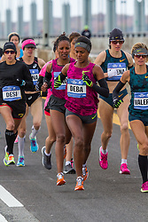 NYC Marathon, Deba leads on Verazano-Narrows bridge