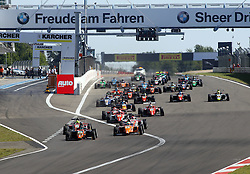 Der Start beim ADAC Formel 4 Rennen am Nürburgring / 070816<br /> <br /> *** ADAC Formula 4 2016 on August 7, 2016 at Nurburgring, Germany ***
