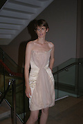 Stella Tennant, Party hosted by Linda Evangelista and Mac Cosmetics. The Hospital. London. 18 September 2005. ONE TIME USE ONLY - DO NOT ARCHIVE © Copyright Photograph by Dafydd Jones 66 Stockwell Park Rd. London SW9 0DA Tel 020 7733 0108 www.dafjones.com