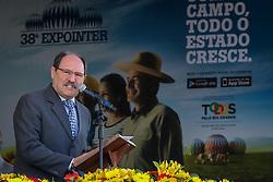 O Governador do Estado do Rio Grande do Sul, José Ivo Sartori durante o desfile dos campeões durante a Inauguração oficial 38ª Expointer, que ocorre entre 29 de agosto e 06 de setembro de 2015 no Parque de Exposições Assis Brasil, em Esteio. FOTO: André Feltes/ Agência Preview