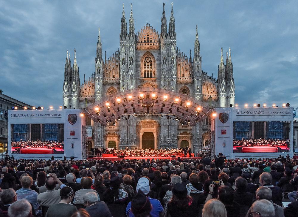 Fotografo di eventi a Milano, in Lombardia e tutta Italia. Servizi fotografici per aziende e privati. Fotografo Milano