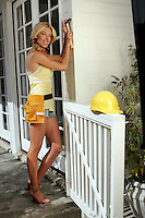 22 June 2005:  Dina Arnott, wife of NHLer Jason Arnott lends a helping hand around the house in Beverly Hills during The Not so Desperate, Desperate housewives shoot on location in Los Angeles with NHL hockey players wives for Editorial Use Only!  Mandatory Credit:  Shelly Castellano.com or Price Doubles. .