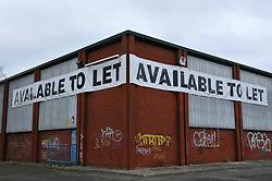 Empty retail unit to let Reading 2009 UK