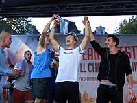 BILDET INNGÅR IKEK I FASTAVTALER. ALL NEDLASTING BLIR FAKTURERT.<br /> <br /> Fotball<br /> Foto: imago/Digitalsport<br /> NORWAY ONLY<br /> <br /> Football freestyler s Tobias from Norway celebrates on the podium the Gold medal during the Eurpean Freestyle Football Champinships Final on September 26, 2015 in Amsterdam, Netherlands.