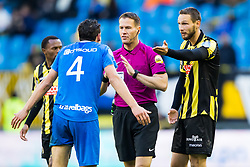 (L-R) Dirk Marcellis of PEC Zwolle, referee Danny Makkelie, Tim Matavz of Vitesse during the Dutch Eredivisie match between Vitesse Arnhem and PEC Zwolle at Gelredome on November 05, 2017 in Arnhem, The Netherlands