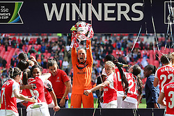 Sari van Veenendaal of Arsenal Ladies celebrates winning the SSE Women's FA Cup - Mandatory byline: Jason Brown/JMP - 14/05/2016 - FOOTBALL - Wembley Stadium - London, England - Arsenal Ladies v Chelsea Ladies - SSE Women's FA Cup