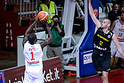 DESCRIZIONE : Varese FIBA Eurocup 2015-16 Openjobmetis Varese Telenet Ostevia Ostende<br /> GIOCATORE : Mouhammad Faye<br /> CATEGORIA : Tiro<br /> SQUADRA : Openjobmetis Varese<br /> EVENTO : FIBA Eurocup 2015-16<br /> GARA : Openjobmetis Varese - Telenet Ostevia Ostende<br /> DATA : 28/10/2015<br /> SPORT : Pallacanestro<br /> AUTORE : Agenzia Ciamillo-Castoria/M.Ozbot<br /> Galleria : FIBA Eurocup 2015-16 <br /> Fotonotizia: Varese FIBA Eurocup 2015-16 Openjobmetis Varese - Telenet Ostevia Ostende