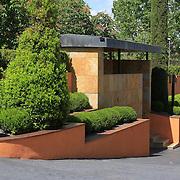 Modern Garden 750