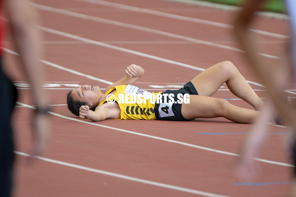 Amanda Wong (#470) of VJC recovers after the intense and exhausting A Division Girls' 1500m final. She finished in third place with a time of 05:18.32. (Photo X © REDintern Jared Khoo)