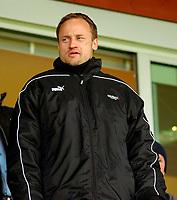Fotball, Eliteserien, 31052004, Alfheim Stadion i Tromsø, Tromsø IL (TIL) - Vålerenga (VIF) 2-0, Rushfeldt på VIP-tribunen til TIL<br /> FOTO: KAJA BAARDSEN/DIGITALSPORT