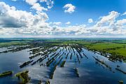 Nederland, Utrecht, Gemeente De Ronde Venen, 28-04-2017; Vinkeveense Plassen met trekgaten en op de legakkers vakantiehuisjes. Legakkers zijn ontstaan door het afgraven van ht laagveen en werden gebruikt om het veen te drogen en turf te produceren (turven), de resterende stroken water zijn trekgaten.<br /> Water landscape as the result of peat extraction.<br /> <br /> luchtfoto (toeslag op standard tarieven);<br /> aerial photo (additional fee required);<br /> copyright foto/photo Siebe Swart<br /> -----------------------------------