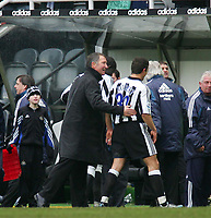 Photo. Andrew Unwin, Digitalsport<br /> Newcastle United v Liverpool, Barclays Premiership, St James' Park, Newcastle upon Tyne 05/03/2005.<br /> Newcastle's manager, Graeme Souness (L), congratulates his goal-scorer, Laurent Robert (R), at the end of the game.
