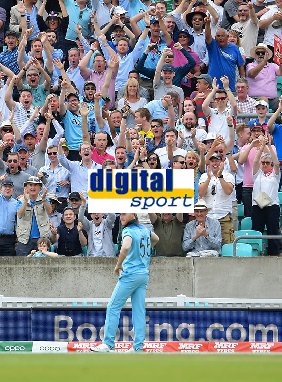 Cricket - 2019 ICC Cricket World Cup - Group Stage: England vs. South Africa<br /> <br /> England's Ben Stokes celebrates catching out South Africa's Andile Phehlukwayo on the boundary, at The Kia Oval.<br /> <br /> COLORSPORT/ASHLEY WESTERN
