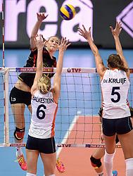 04-01-2016 TUR: European Olympic Qualification Tournament Nederland - Duitsland, Ankara <br /> De Nederlandse volleybalvrouwen hebben de eerste wedstrijd van het olympisch kwalificatietoernooi in Ankara niet kunnen winnen. Duitsland was met 3-2 te sterk (28-26, 22-25, 22-25, 25-20, 11-15) / Louisa Lippmann #13 of Germany