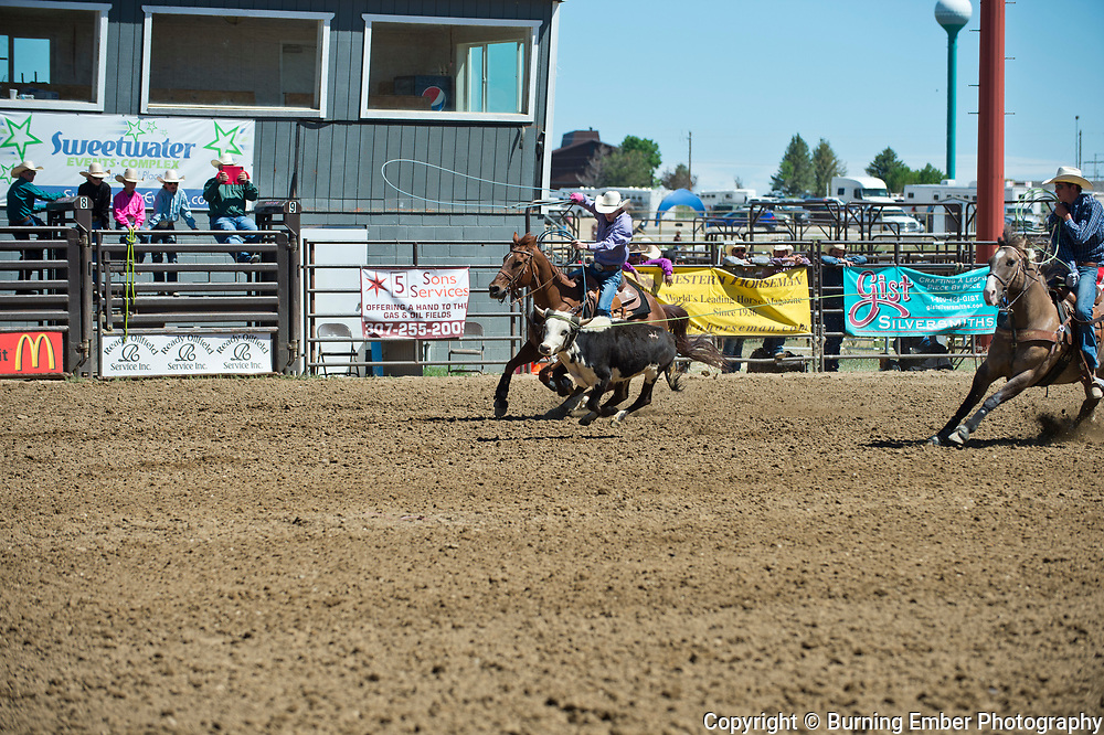 Reynolds and Hadley in the Team Roping event at the Saturday Short Go round event at the Wyoming State High School Finals Rodeo in Rock Springs Wyoming.  Photo by Josh Homer/Burning Ember Photography.  Photo credit must be given on all uses.