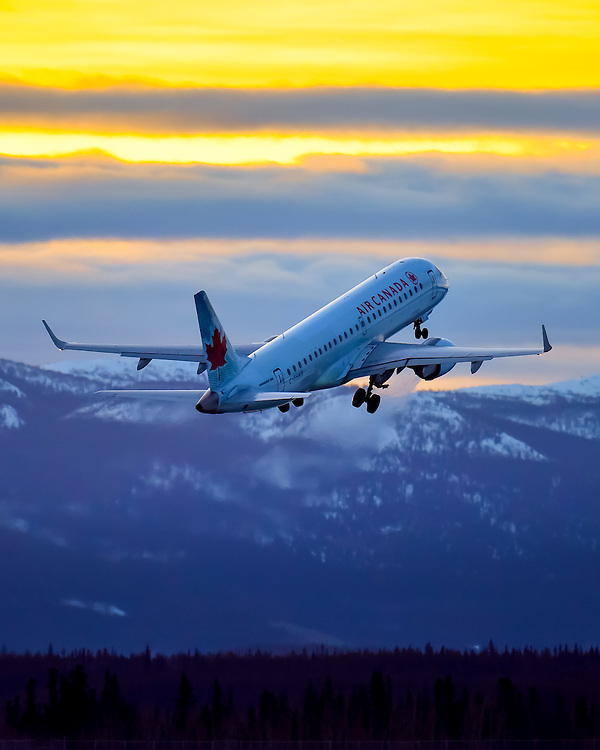 Sunrise departure from Erik Nielsen Whitehorse International Airport (CYXY)