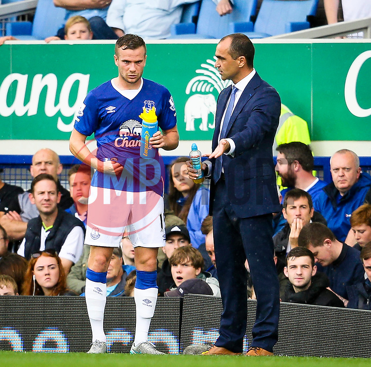 Everton Manager, Roberto Martinez gives instructions to Tom Cleverley - Mandatory byline: Matt McNulty/JMP - 07966386802 - 23/08/2015 - FOOTBALL - Goodison Park -Everton,England - Everton v Manchester City - Barclays Premier League