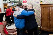 Prinses Laurentien en bekende nederlanders voeren op Valentijnsdag echte gesprekken op station Utrecht Centraal als onderdeel van de actie #echtcontact.<br /> <br /> Op de foto:  Jan Slagter