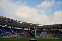 ROME, ITALY - Tuesday, May 26, 2009: The European Cup on display before the UEFA Champions League Final between Manchester United and Barcelona at the Stadio Olimpico. (Pic by Carlo Baroncini/Propaganda)