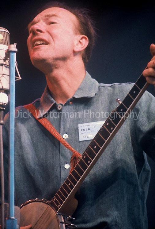 Pete Seeger, Newport Folk Festival 1966
