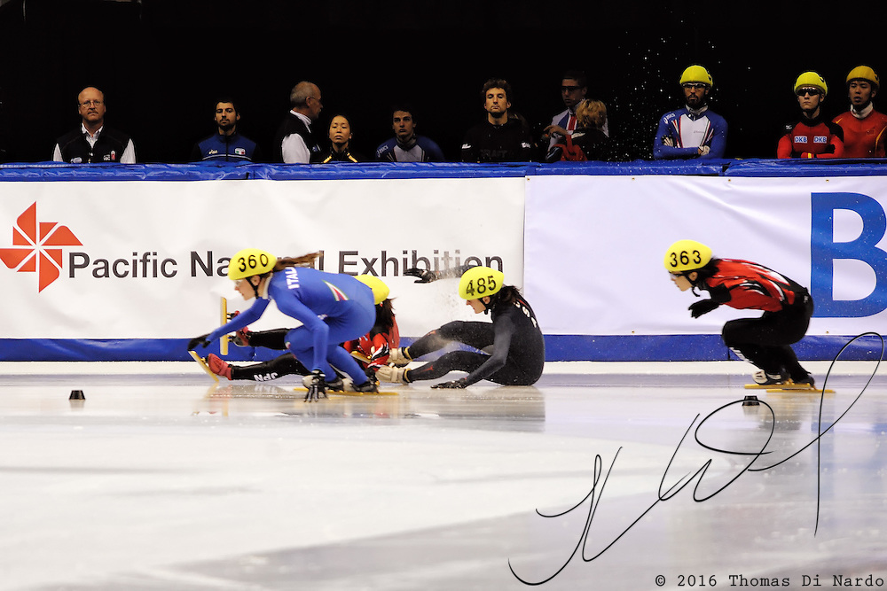 2008 World Cup Short Track - Vancouver - Martina Valcepina (ITA) and Yui Sakai (JPN) successfully avoid Alyson Dudek (USA) and Ayuko Ito (JPN) as the fall during the 500m Ladies Repcharge A Final.