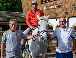 06.06.2017, Bio Hotel Stanglwirt, Going, AUT, OeSV Training, Herren Speed Team, Stanglwirt, Pressetermin, Training, im Bild v.l. Sepp Brunner (Abfahrtstrainer Herren), Romed Baumann, Andreas Puelacher (Cheftrainer Herren) // f.l. Sepp brunner downhill coach men Romed Baumann of Austria and Andreas Puelacher head coach men during a Trainingsession of men's speed Ski Team of Austrian Ski Federation (OeSV) at the Bio Hotel Stanglwirt in Going, Austria on 2017/06/06. EXPA Pictures © 2017, PhotoCredit: EXPA/ Stefan Adelsberger