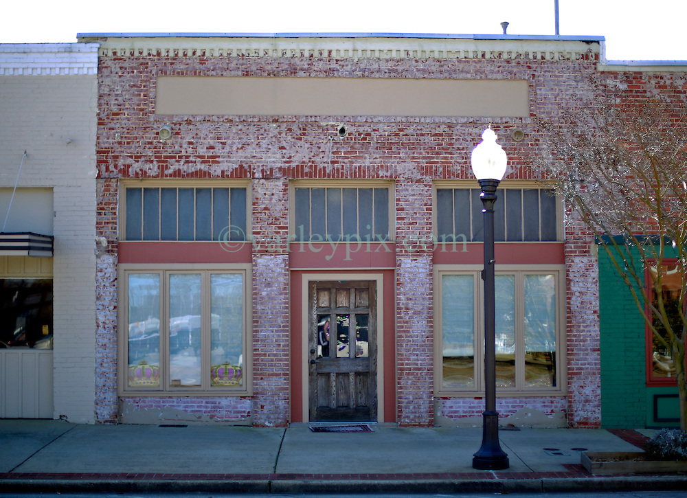 06 February 2015. Monroeville, Alabama.<br /> On the trail of Harper Lee's 'To Kill a Mocking Bird.'<br /> The unmarked offices of Harper Lee attorney Tonja Carter at the center of the old town. <br /> Photo; Charlie Varley/varleypix.com