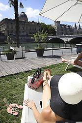 August 1, 2018 - Paris, France - Bronzette transat chapeau (Credit Image: © Panoramic via ZUMA Press)