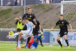 Elijah Just (FC Helsingør) afslutter som optakt til FC Helsingørs 1-0 mål under kampen i 1. Division mellem FC Helsingør og Vendsyssel FF den 18. september 2020 på Helsingør Stadion (Foto: Claus Birch).