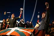 20200824 /URUGUAY / MONTEVIDEO / Como cada año, la Coordinación 24 de Agosto realizó una movilización para conmemorar la Masacre del Filtro, donde el gobierno de Lacalle reprimió la movilización y asesinó a Fernando Morroni y Roberto Facal. La marcha se realizó desde el Obelisco hasta el Hospital Filtro.<br /> <br /> En la foto: Marcha del Filtro a 26 años de la Masacre del Filtro, convocado por la Coordinación 24 de Agosto, desde el Obelisco al Hospital Filtro. Foto: Santiago Mazzarovich / adhocFOTOS