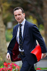 © Licensed to London News Pictures. 19/04/2016. London, UK. Welsh Secretary ALUN CAIRNS attending a cabinet meeting in Downing Street on Tuesday, 19 April 2016. Photo credit: Tolga Akmen/LNP